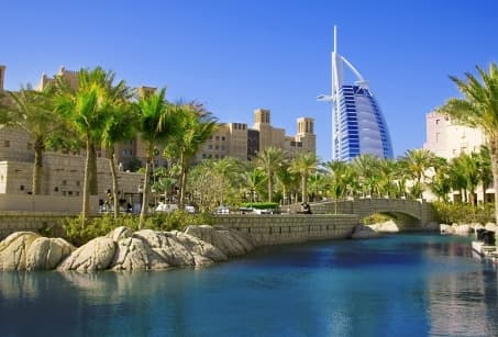 Abu Dhabi, Dubaï, mirages d'Orient