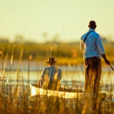 Excursion en mokoro sur l'Okavango