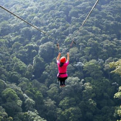 Canopy Tour au dessus du Rio Juramento