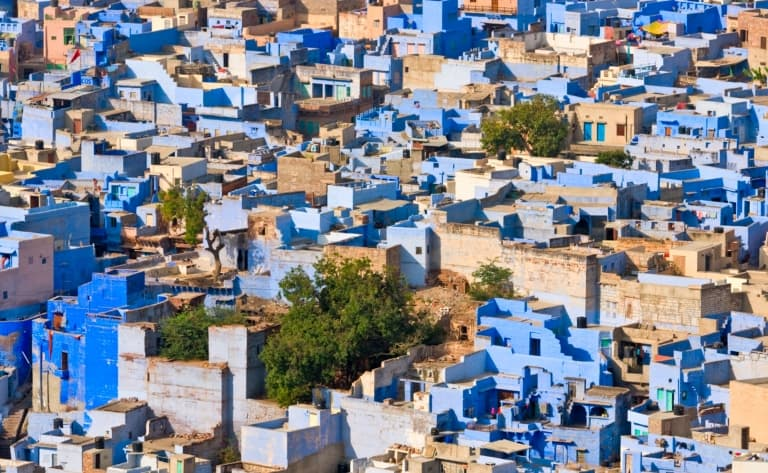 Dîner romantique sur les toits de Pal Haveli avec vue sur la ville