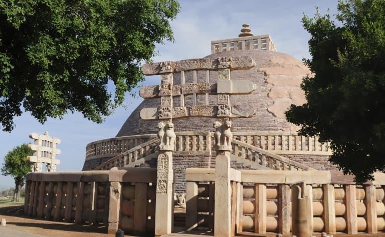 Découvrez les monuments bouddhiques de Sanchi