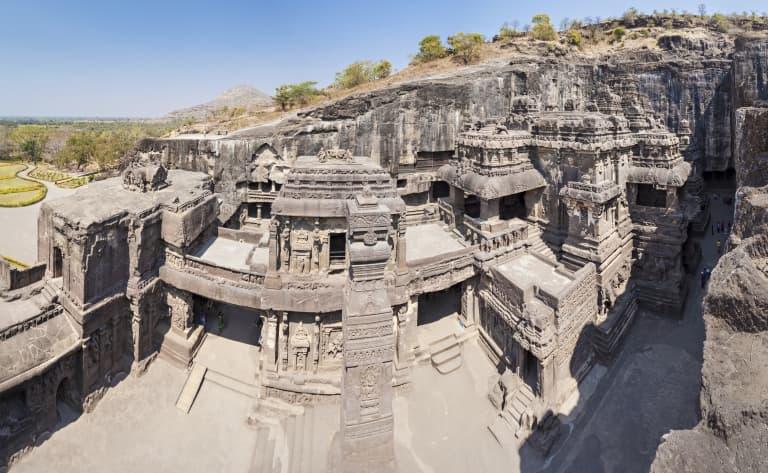 Visite des célèbres temples rupestres d'Ellora