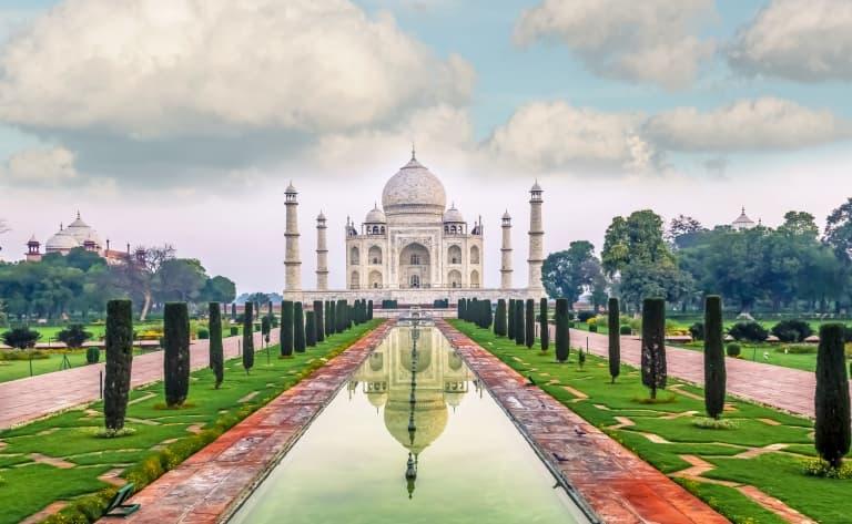 Vers Agra en train