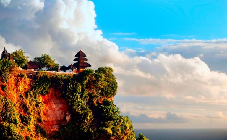 Découverte de la presqu'île de Bukit et du  temple d'Uluwatu