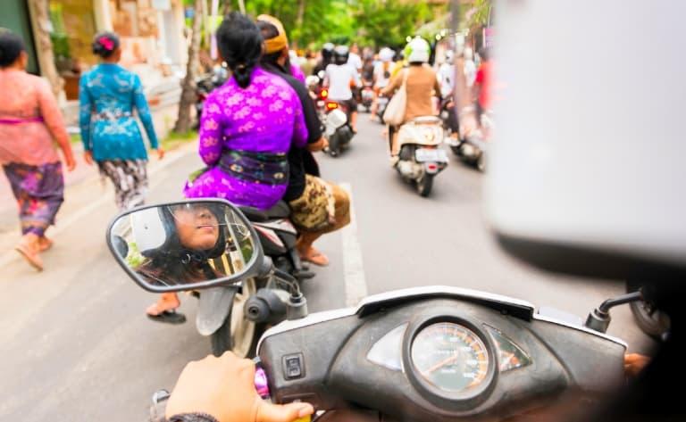 Transfert vers Ubud. Premiers contacts avec la ville