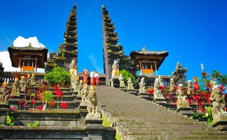 Bali Aga Village, temple de Besakih et Beji et village de Kintamani
