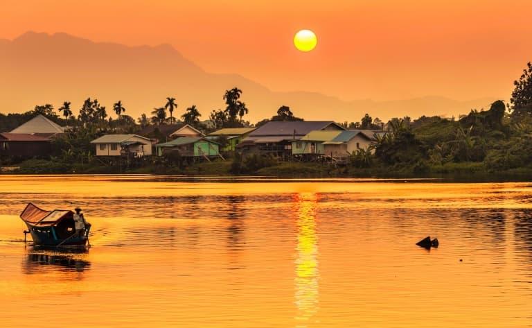 De Batang Ai à Kuching