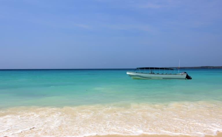 Eaux turquoise de l'île de Baru