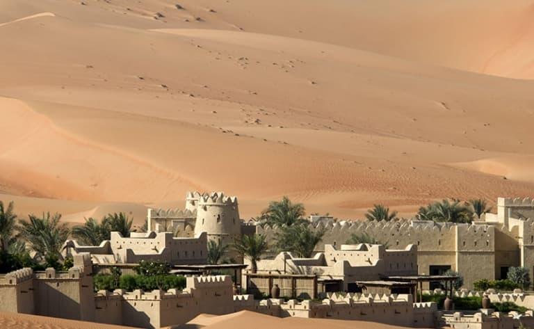Sous le voile du désert…