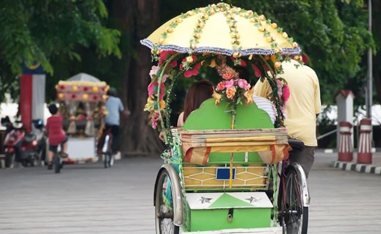 """Visite de Malang, le """"Paris de Java Est"""""""
