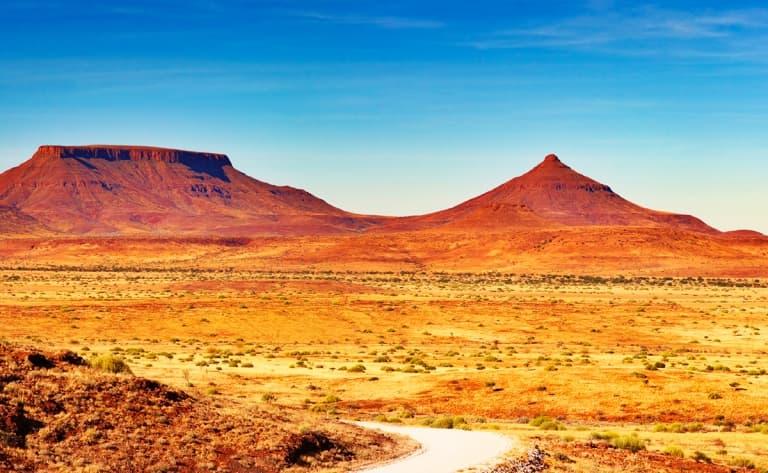 Paysages époustouflants et éléphants du désert ! (250 km)